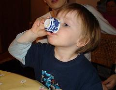 Kind und Tee